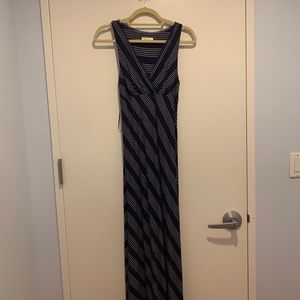 Blue maxi dress. Great for pregnancy